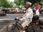 yadi-karung-bersepeda-onthel-dari-bandung-ke-surabaya_20191104_020220.jpg