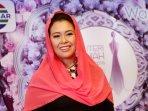 yeni-wahid-juri-puteri-muslimah-indonesia-2016_20160504_140550.jpg