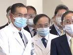 yoshihide-suga-mengunjungi-vaksinasi-nih3.jpg
