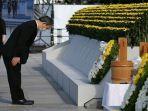 yoshihide-suga-upacara-peringatan-perdamaian.jpg