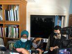 yusri-lanita-48-keluarga-salah-satu-korban-sriwijaya-air-usai-menjalani-pemeriksaan.jpg