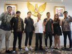 zainudin-amali-saat-audiensi-bersama-indonesia-esports-premiere-league.jpg