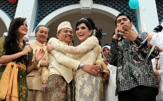 Anang dan Ashanty menikah di Masjid Al Bina