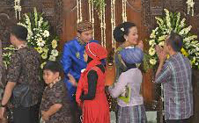 Foto Sederhana-nya Prosesi Ngunduh Mantu Besan Sri Sultan - ngunduh21.jpg