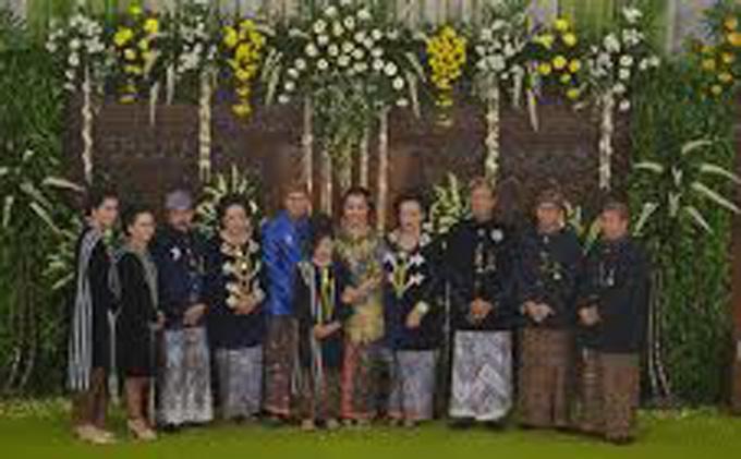 Foto Sederhana-nya Prosesi Ngunduh Mantu Besan Sri Sultan - ngunduh31.jpg