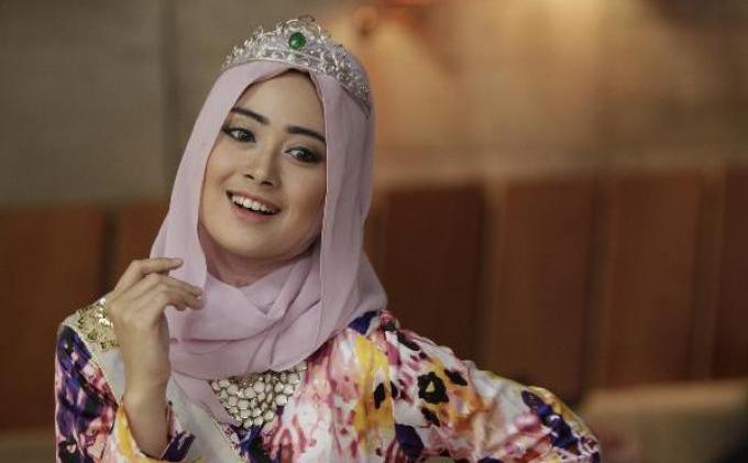 FOTO: Nina Septiani, Ratu Kecantikan World Muslimah Beauty 2012, Siap Serahkan Mahkota  - 246872p.JPG