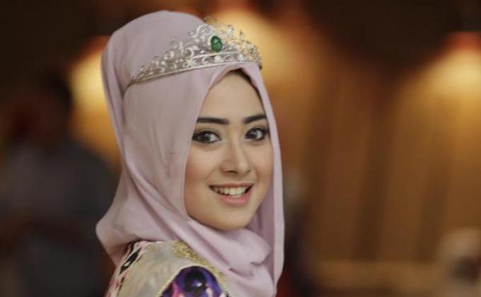 FOTO: Nina Septiani, Ratu Kecantikan World Muslimah Beauty 2012, Siap Serahkan Mahkota  - 246878p.JPG