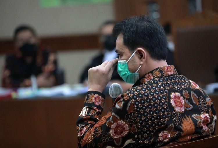 Azis Syamsuddin Bersaksi di Sidang Robin Pattuju