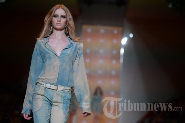 Mode Karya Donatela Versace