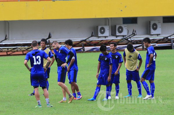 Persiapan Pelita Bandung Raya Hadapi Sriwijaya FC