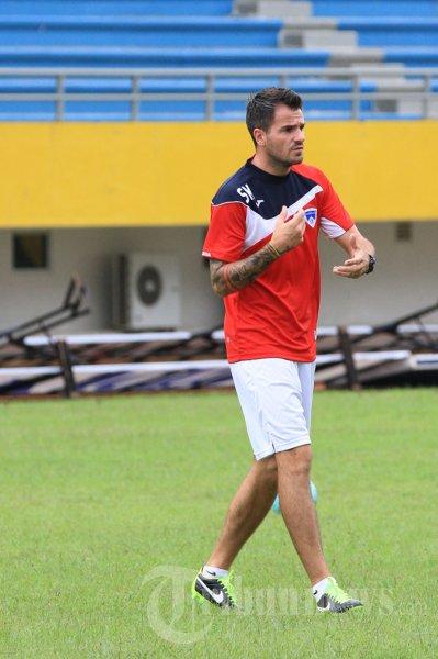 Simon McMenemy Pelatih Pelita Bandung Raya
