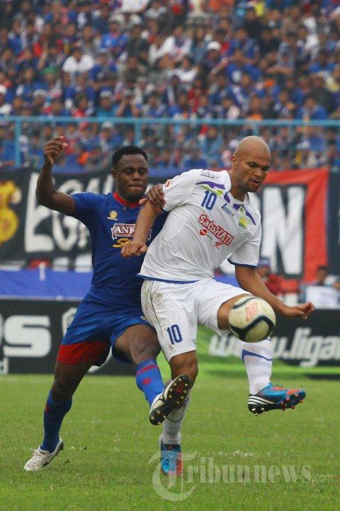 Arema Cronous vs Persib Bandung