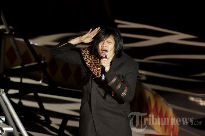 Armand Maulana di Bazaar Fashion Concerto 2013 Fantasirkus