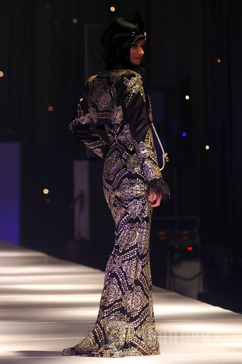 Fashion Show Karya Adjie Notonegoro