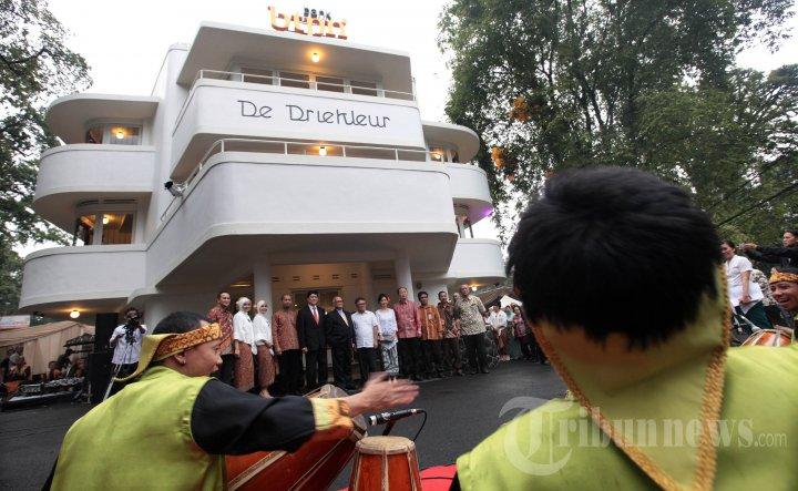 Gedung De Driekleur Bank BTPN