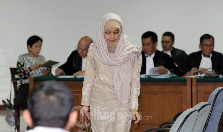 Elda Devianne Adiningrat Saksi Maria Elizabeth Liman