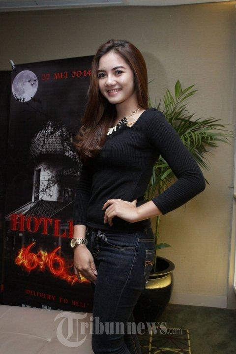 Alodya Desy di Acara Peluncuran Film Hotline 666