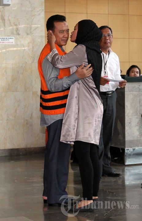 Bupati Karawang Ade Swara Diperiksa KPK