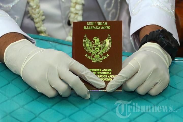 Akad Nikah dengan Protokol Kesehatan di KUA Pondok Aren