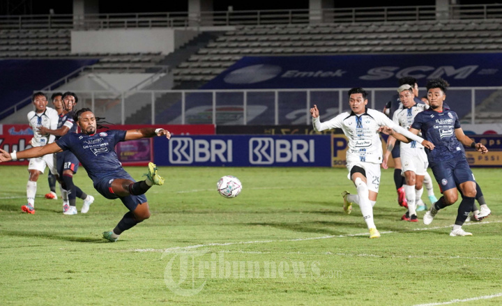 Arema FC VS PSIS Semarang di Laga BRI Liga 1