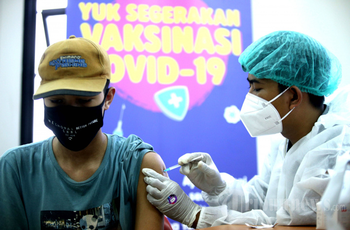 AXIS Gelar Vaksinasi Covid-19 untuk Pelajar dan Mahasiswa