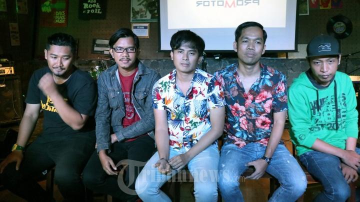 Band The Promotor Rilis Single Merindukan Kamu