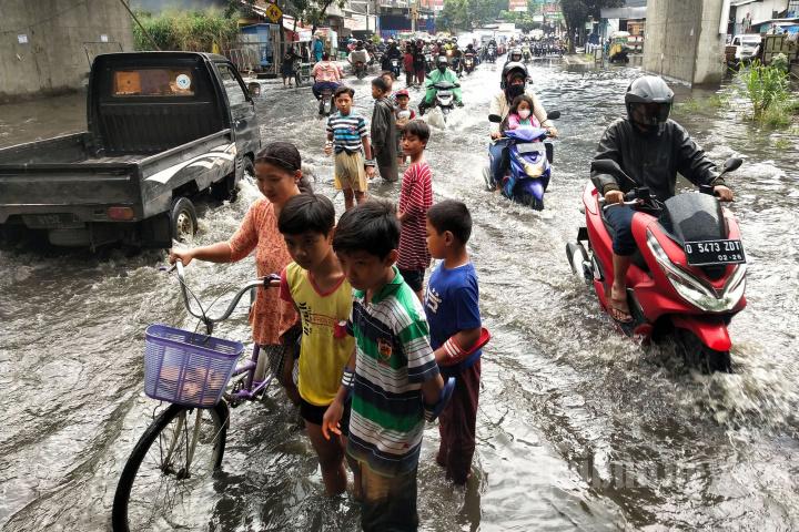 Banjir Cileuncang di Jalan Cibaduyut
