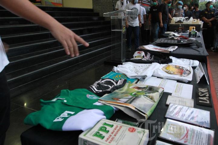 Barang Bukti Terorisme Hasil Penangkapan di Cibitung dan Condet