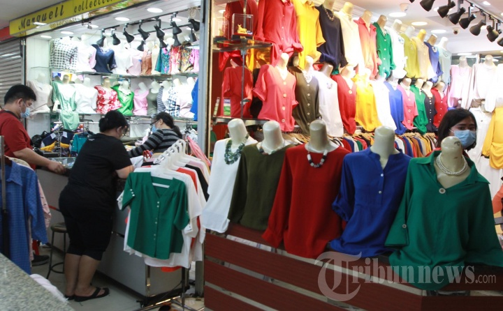 Belanja Pakaian Lebaran di Pasar Pagi