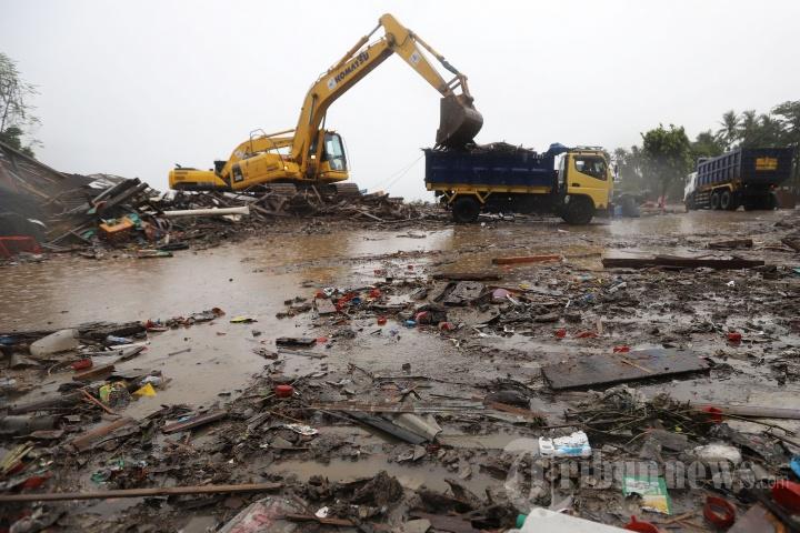 Dampak Tsunami Selat Sunda di Sumur