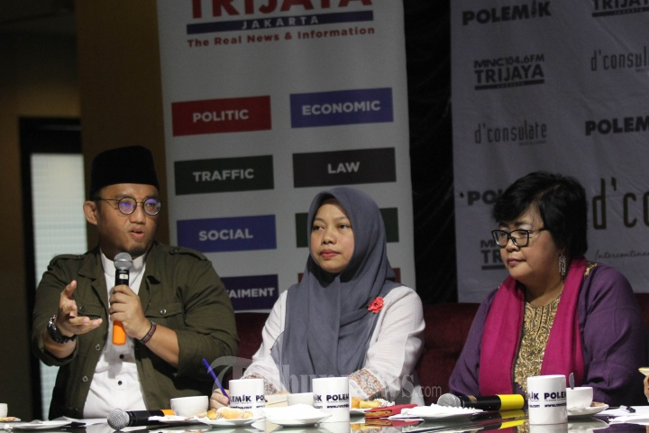 Diskusi Polemik Panggung Dramaturgi Debat Capres