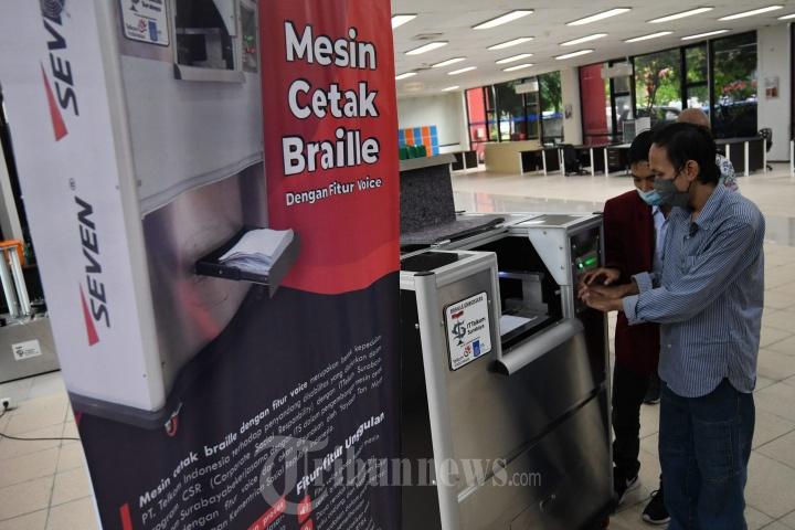 Inovasi Mesin Cetak Braile IT Telkom Surabaya