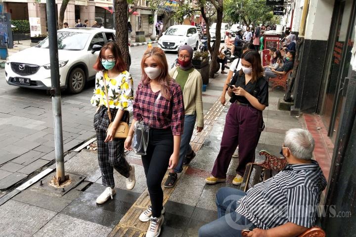 Libur Panjang, Jalan Braga Kota Bandung Dipadati Wisatawan Luar Kota