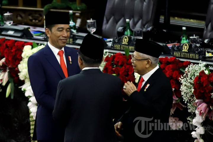 JK Salami Presiden Jokowi dan Wapres Maruf Amin Usai Pelantikan