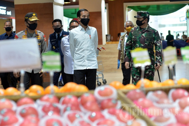 Jokowi Tinjau Pusat Perbelanjaan yang Siap Dibuka Kembali