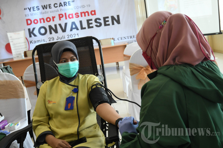 Karyawan RS Manyar Medical Center Ikuti Screening Donor Plasma
