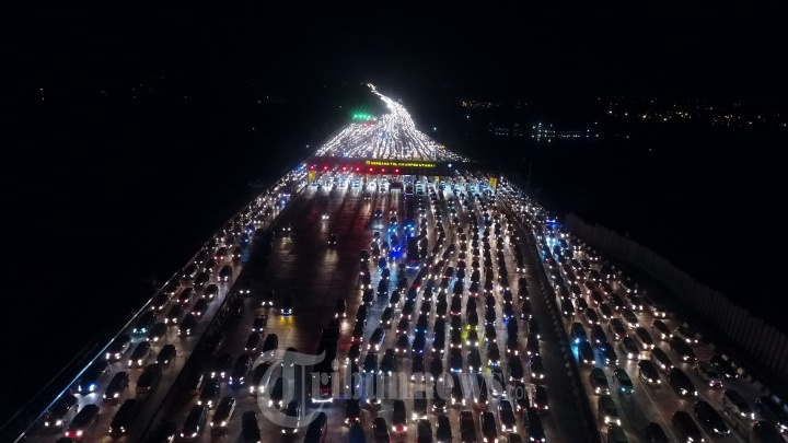 Kemacetan Arus Balik Lebaran Gerbang Tol Cikampek Utama
