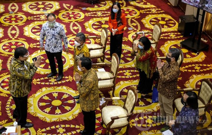 Kemenko Perekonomian Bersama Gojek Salurkan KUR kepada Mitra Platform Digital