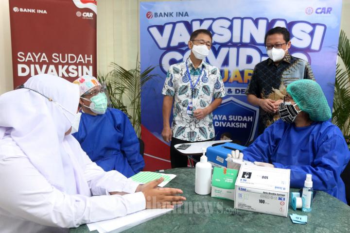 Kolaborasi CAR Life Insurance Dan Bank INA Gelar Vaksinasi