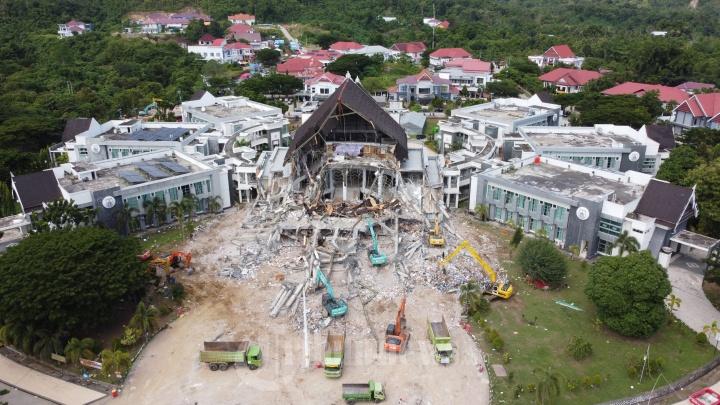 Kondisi Kantor Gubernur Sulbar Akibat Gempa