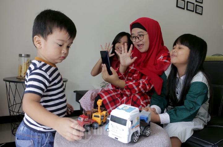 Mom and Kids Silaturahmi Virtual Karena Larangan Mudik