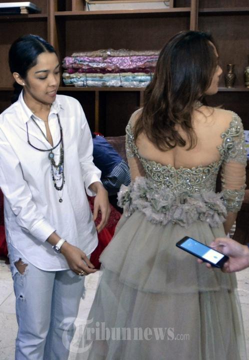 Okta Darnadi dan Kinaryosih Model Kiara Mayang