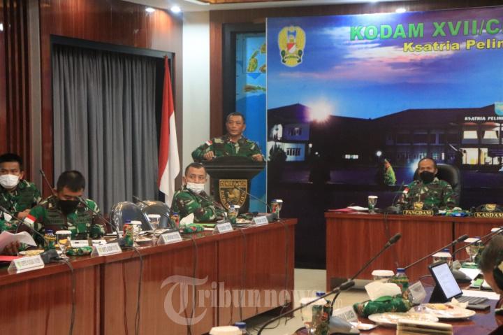 Pangdam XVII/Cenderawasih Pimpin Rapat Kesiapan PON XX Tahun 202