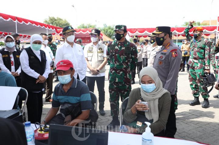 Panglima TNI Kembali Pantau Serbuan Vaksinasi di Bangkalan