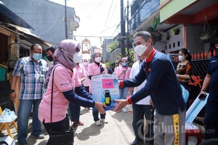 Peduli Banjir Jabodetabek, Komunitas di BRI Salurkan Bantuan
