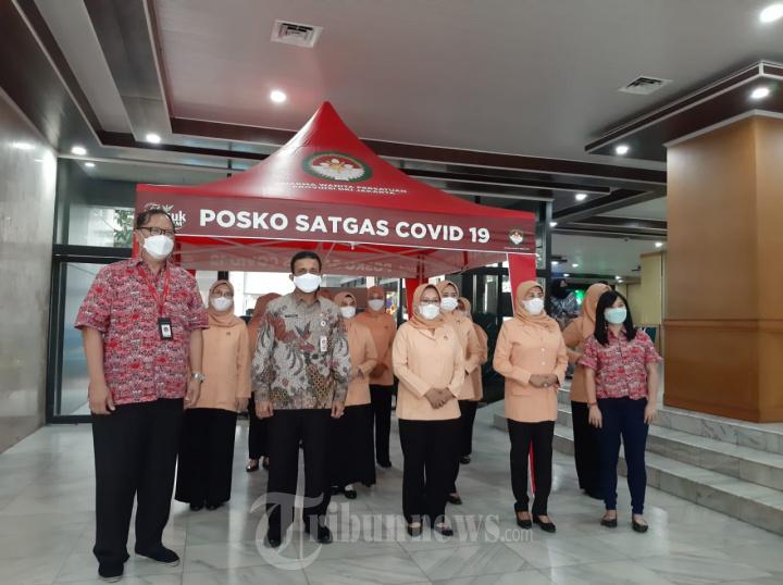 Peduli Pandemi Teh Pucuk Harum Sumbang Tenda Satgas Covid-19