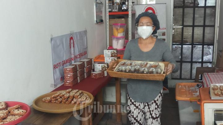 Pelaku Usaha UMKM Roti Gambang Nostalgia Tangerang