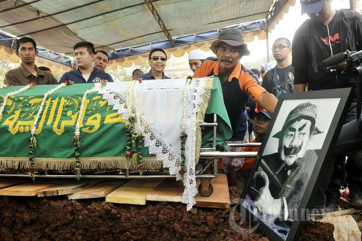 Pemakaman Pak Raden