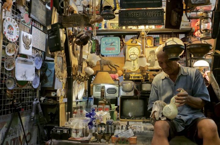 Penjual Klitikan Kota Lama Bangkit Pasca Pandemi
