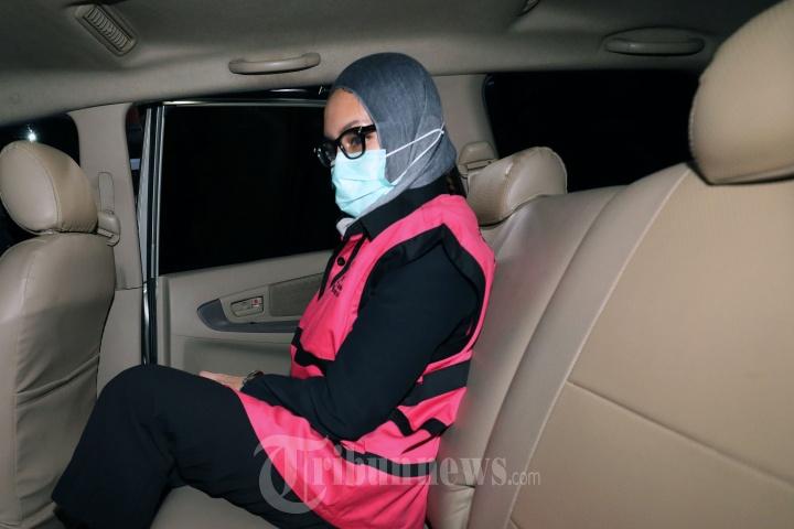 Foto Foto Penampilan Baru Jaksa Pinangki Sirna Malasari Saat Pemeriksaan Pakai Hijab Rok Selutut Tribun Timur